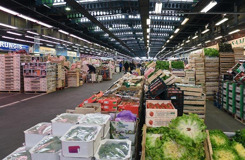 Un stand du marché de Rungis