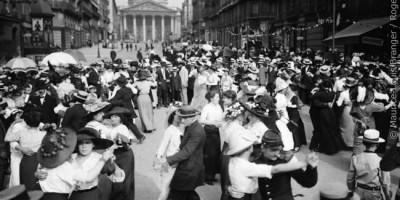 Bal du 14 juillet devant le Panthéon. Paris, 1912 © Maurice-Louis Branger / Roger-Viollet
