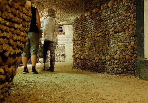 Localers - Paris Catacombs Private Tour
