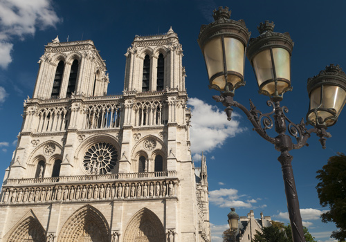 Localers - Notre-Dame and Conciergerie Private Family Tour